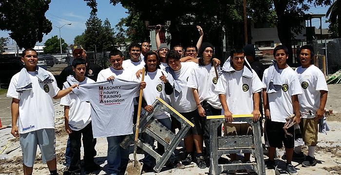 group-of-mason-students-california